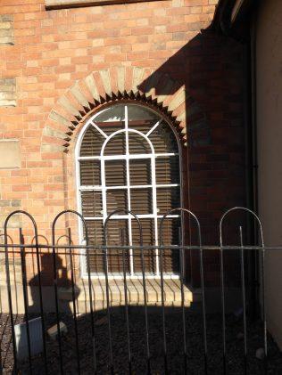 6 Mountsorrell UMFC chapel, deatil of window, 26.10.2018